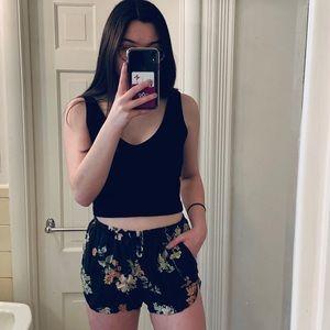 Brandy Melville Shorts - Brandy Melville floral shorts